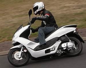 Honda 125 Pcx : honda pcx125 2010 on review speed specs prices mcn ~ Medecine-chirurgie-esthetiques.com Avis de Voitures