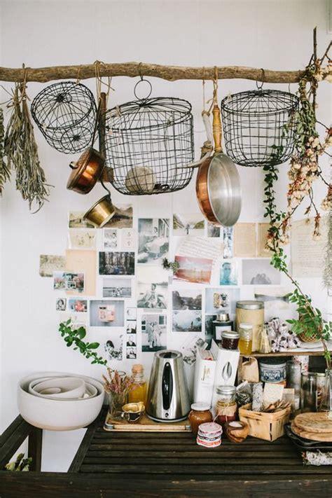 earthy kitchen designs 雑貨屋さん必見 おしゃれで映えるシャビーシックなディスプレイ方法53 賃貸マンションで海外インテリア風を目指す 3497