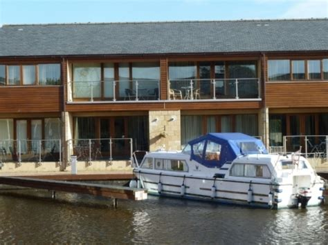 Marina Cottage by Marina Cottage Tewitfield Marina Hyning Home Fm The
