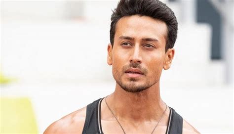 Tiger Shroff Height, Age, Weight, GF, Biography & More ...
