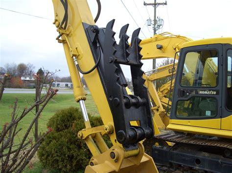 hydraulic thumb mt installed   excavator ht
