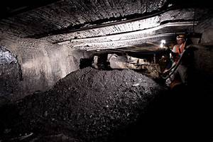 Consol Energy sells coal assets, looks to boost natural ...