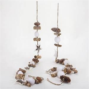 Objet Deco Bois Naturel : guirlande de no l en bois pour une d co nature ~ Teatrodelosmanantiales.com Idées de Décoration