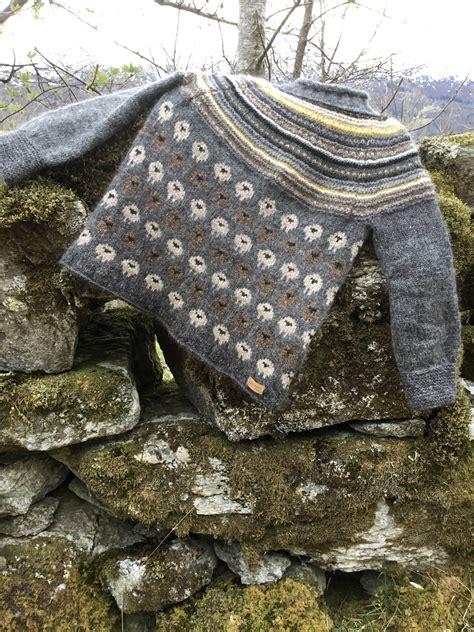 Pin on Модели вязаных свитеров