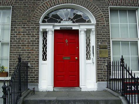 Front Doors : Red Front Door To Boost Positive Energy Of Your House