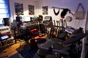 small bedroom decorating ideas on a budget home studio essentials for songwriters on a budget songwriterlink