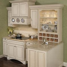 pictures of kitchen cabinets 87 best cabinets images on wellborn cabinets 7482