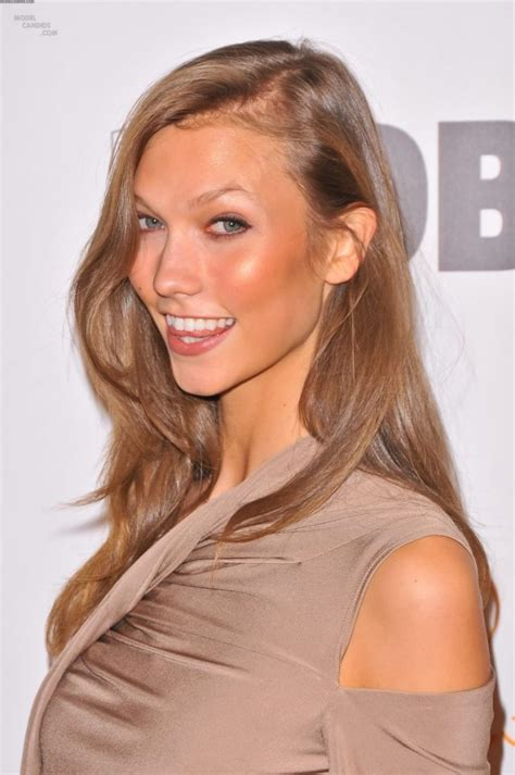 Karlie Kloss Profile Biography Pictures News