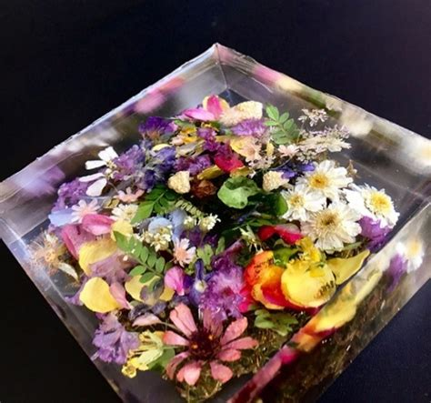 flowers resin paperweight