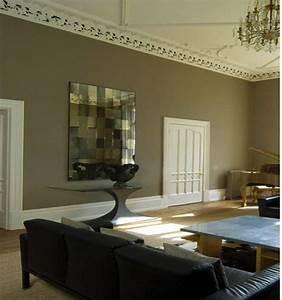 Couleur De Peinture Pour Salon : couleur taupe dans salon avec portes peinture ivoire ~ Melissatoandfro.com Idées de Décoration