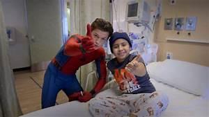 Tom Holland, Spider-Man: Homecoming, Visits Kids at ...