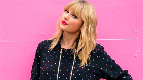 Taylor Swift Opens Up About President Trump, Political ...