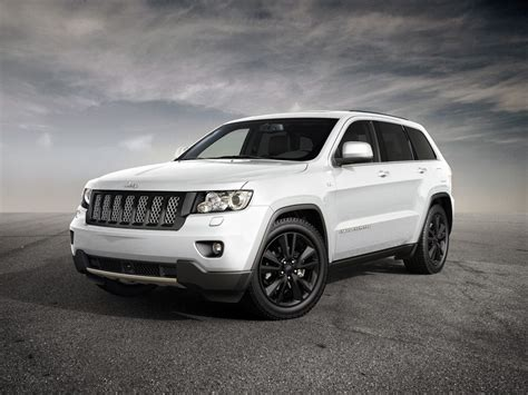 sports jeep cherokee jeep grand cherokee sports concept coming to geneva