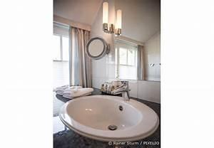 Bad Entlüftung über Dach : tipps f r das badezimmer unterm dach wohnen hausxxl wohnen hausxxl ~ Markanthonyermac.com Haus und Dekorationen