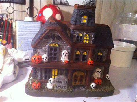 Halloween Haunted House Crafts