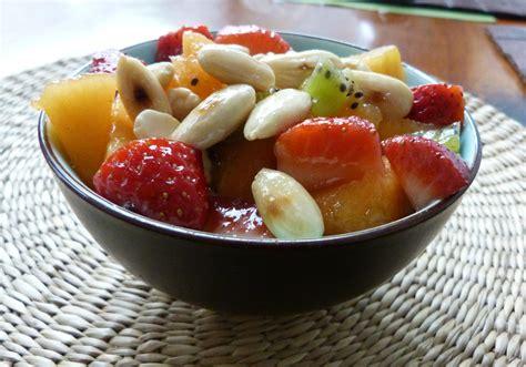 salade de fruits d 233 t 233 amandes caram 233 lis 233 es au sirop d 233 rable bonheurs en bouche