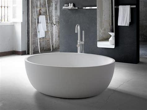Vasche Da Bagno Basse by Vasca Da Bagno Centro Stanza Ovale In Solid