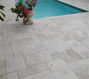 Travertin Exterieur Piscine : classic light carrelage travertin pierre naturelle ext rieur beige clair 1er choix carra france ~ Nature-et-papiers.com Idées de Décoration