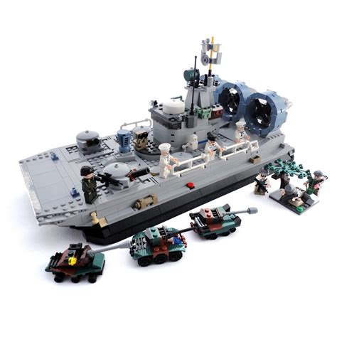 Lego Army Boat Sets by Large Transport Hovercraft And 7 Minifigures