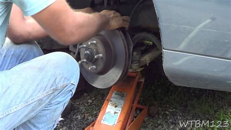 Ball Joint Comes Apart, 99 Lincoln Town Car