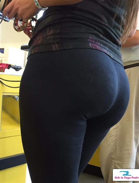 Creep Shots Of A Big Round Booty In Yoga Pants Hot Girls