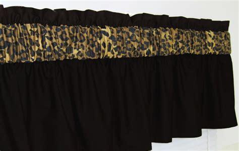 3 in wide pocket solid black leopard cheetah window
