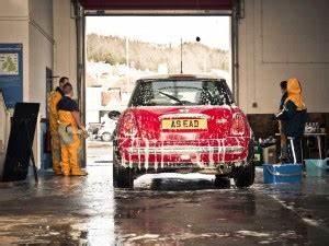 Comment Bien Nettoyer Sa Voiture : comment bien laver sa voiture ~ Melissatoandfro.com Idées de Décoration