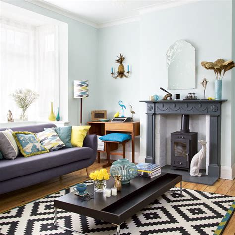 Retro Living Room With Tropicalthemed Soft Furnishings