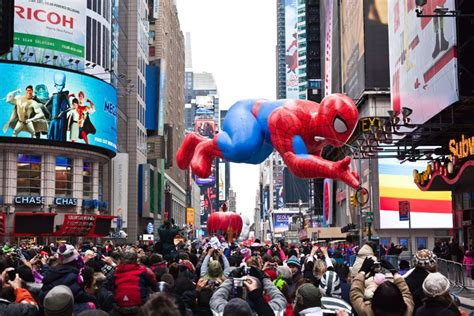 york hotels   macys thanksgiving day parade