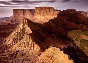 Desert Des Bardenas En 4x4 : bardenas reales de navarra excursiones vacaciones y alojamiento ~ Maxctalentgroup.com Avis de Voitures