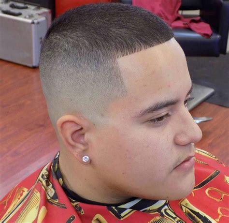 coupe de cheveux homme rase degrade salon making