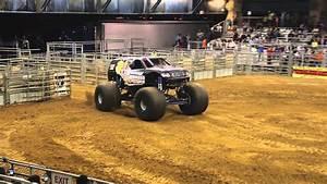 Bounty Hunter Monster Truck Freestyle - YouTube