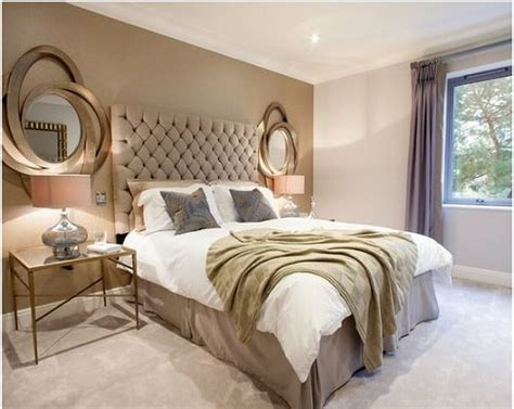 futuristic  luxurious silver gold bedroom ideas