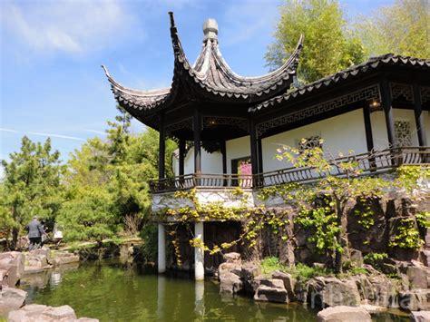 gardens cultural center staten island s historic snug harbor botanical garden is