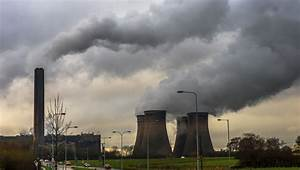Coal phase-out sees UK emissions tumble by 4%