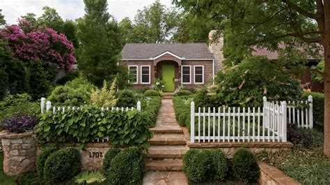Cottage Style Backyards by Cottage Garden Design Ideas Southern Living