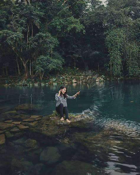 menikmati keindahan danau  hutan   cipanten