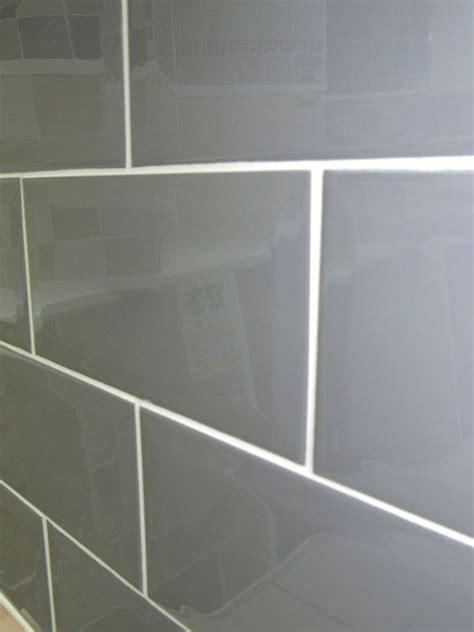 metro plata brick wall tile 10x20cm grey coloured