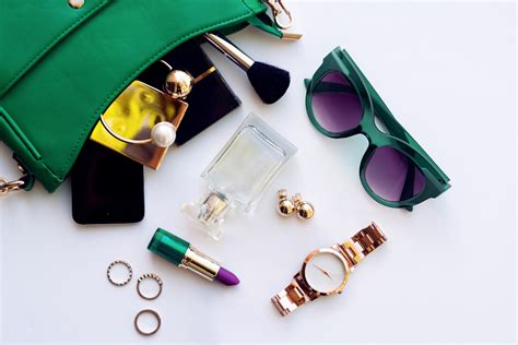 12 Powerful Accessories That Will Transform Your Outfit ...
