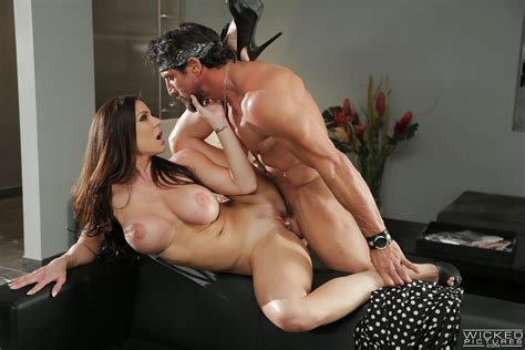 Hot Milf Kendra Lust Riding Fat Cock After Delivering