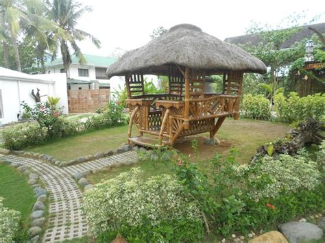 This Garden Hut Is Quite Adorable
