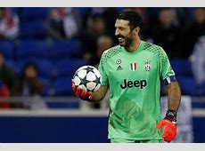 Gigi Buffon, le 5 parate più belle della sua carriera