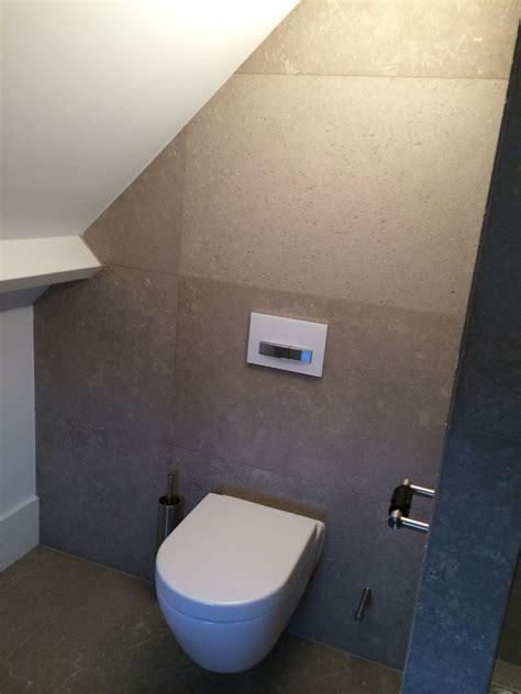 toilet in badkamer uden badkamer en toilet pakhuysbadkamers