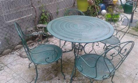 Mobilier jardin fer table de jardin ronde pliante | Maison ...