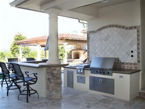 outdoor kitchen backsplash ideas plan de travail ext 233 rieur pour une cuisine d 233 t 233 pratique 3824