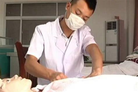 Male Breastfeeding Expert Helps Women To Produce Milk Video