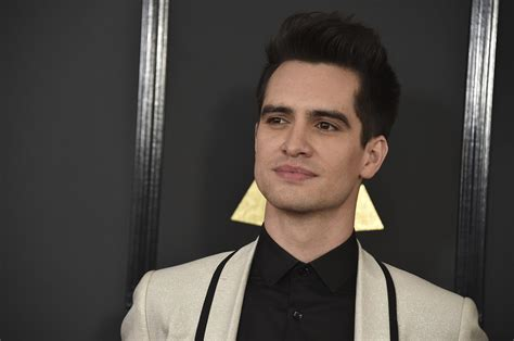 Panic At The Discos Brendon Urie Comes Out As Pansexual