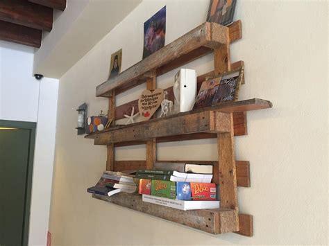 Bücherregale Aus Paletten by Palettenm 246 Bel Inspirationen Aus Kreta Palettenbett Und
