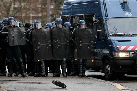 bureau de recrutement gendarmerie les gendarmes mobiles sensibles au vote fn front