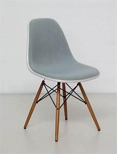 Vitra Stuhl Fake : vitra eames plastic side chair dsw cream shell ice blue fabric stuhl stuff chair side ~ Eleganceandgraceweddings.com Haus und Dekorationen